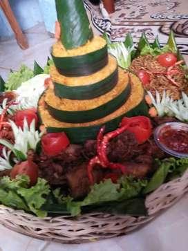 Nasi kotak bisaa lanssung anterrr gocaar ada juga nasi tumpeng dan kue