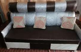 5 setter sofa set leather gud condition.