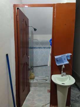 independant Furnished room for boys and girls in garden town hot loct