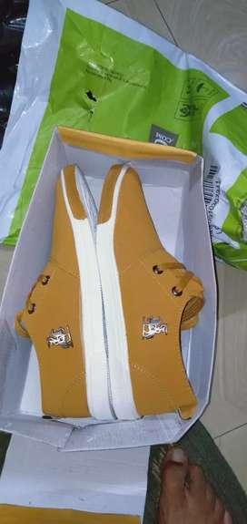 Man formal shoe