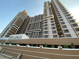 Availabe 1 bhk and 2bhk for heavy deposit in universal cubicle