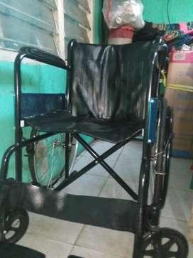 Kursi roda bekas seperti baru
