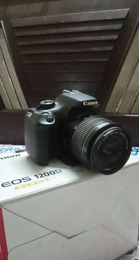 CANON 1200D 18-55mm good condition