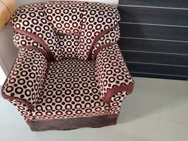 Excellent Condition Sofa with Table in Dwarka