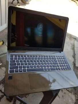 Laptop asus slim layar lebar siap pakai