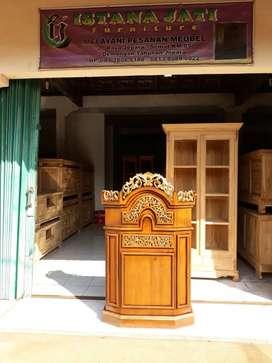 Mimbar masjid al mukmin