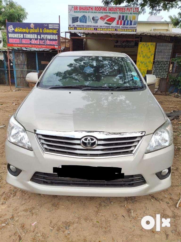 Toyota Innova 2.5 V 8 STR, 2013, Diesel 0