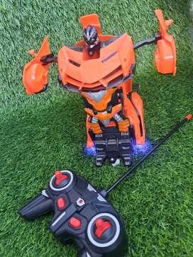Mobila remot berubah robot