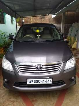 2.5 V 7 SEATER (TOP END)
