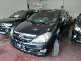 Toyota Innova G 2,0 Mt th 2004