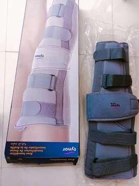 Tyron knee immobilizer
