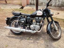 Well maintained 500cc royal Enfield classic bike for sale