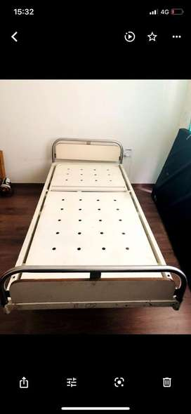 Medical Bed with Hydrolic Lift