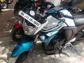 Auto india Yamaha FZS fi Version 2.0 V2 Showroom condition up to date