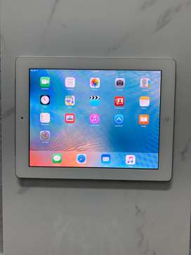 Apple iPad 2 16GB WiFi + 3G Cellular White 2nd Generation