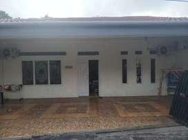 Rp. 950.000.000 Dijual Rumah Strategis Tengah Kota 3KT-2KM-180m2