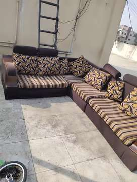 Good condition L type 8 seater sofa for selling