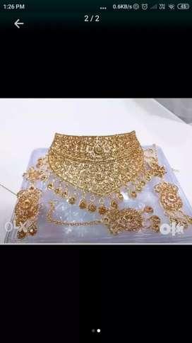 Necklace (golden)