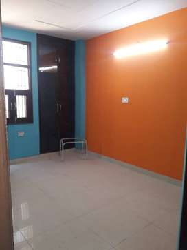 3bhk in vipin garden near dwarka mor metro top floor with roof right