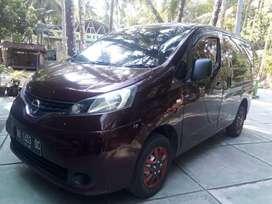 Nissan Evalia 2013 merah merona pajak baru