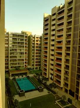Skye luxuria 3bhk flat available on rent at nipania more details call