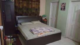 Flat / Portion 2bed D.D, ideal location Block 6, behind Dhaka Sweets.