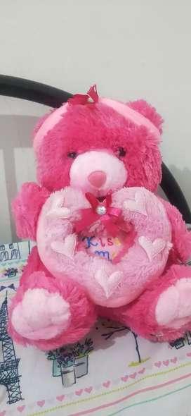 Boneka bear pink tulisan kiss me