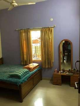 6 Bhk duplex Hus 75 lakh kavoor near junction