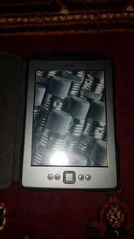 Kindle  paper white new 4th generation eReader (only serious buyer)