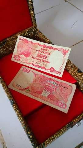 uang kertas kuno Rp 100,- tahun 1984