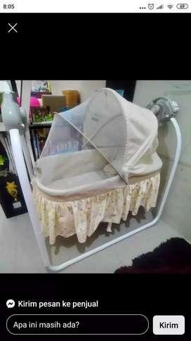 Box bayi baby elle swing