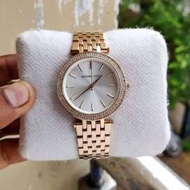 Branded Women's Watch At Best Price