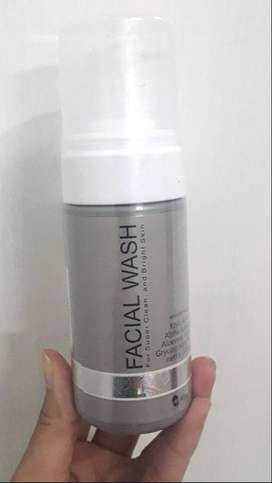 MS GLOW Face Wash