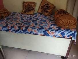 Diwan with locker(6*3 ft)