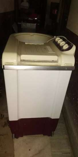 Whirlpool washing machine full condition 7.5 kg