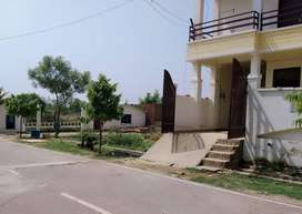 Jhalwa IIIT campus se 1.5km duri pe free hold plot