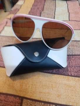 Sun Glasses with pouch