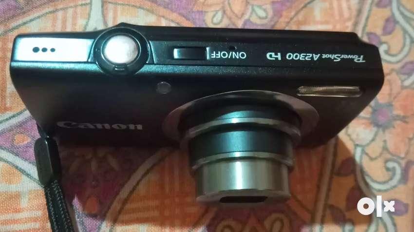Canon digital camera 0