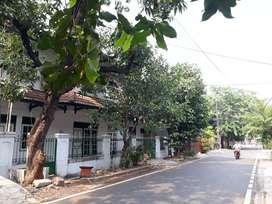 RUMAH KOS 19 PINTU di jalan utama komplek elite Pondok kelapa