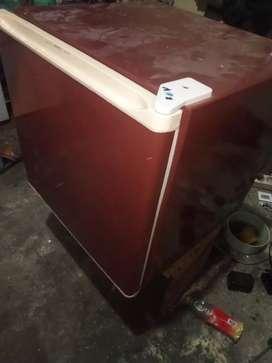 "Kulkas mini cocok untuk di kos"" an atau dikamar"