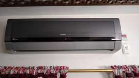 GREE Inverter AC 2 Ton, Less Used Mint Condition