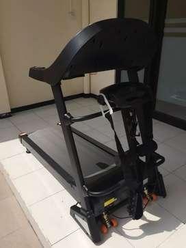Treadmill Elektrik Moscow M1 Russia Series // Alfa Beta 10R45