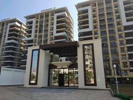 3BHK LUXURY FLAT,230 FAMILY STAY NEAR 200 FOOT AIRPORT ROAD