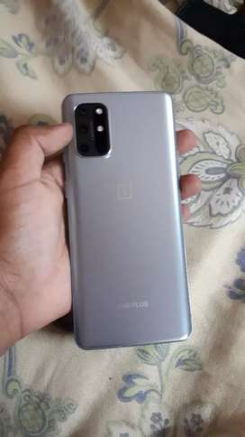 Oneplus 8t in excellent condition 8/128 read description for more info