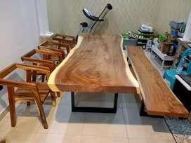 Meja makan trembesi / suar meja tanpa sambungan