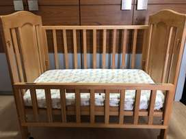 Crib/ cot for new born to 3 years old