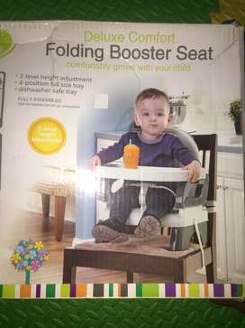 Booster chair for kids for feeding with trey in very good condition