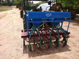 Tractor seed box