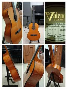 Gitar full size Valencia, 260 Series. Kondisi sangat bagus