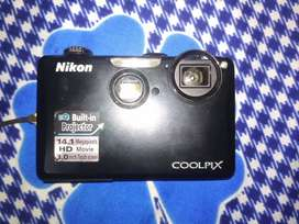 Nikon coolpix S1100pj Projector Camera.